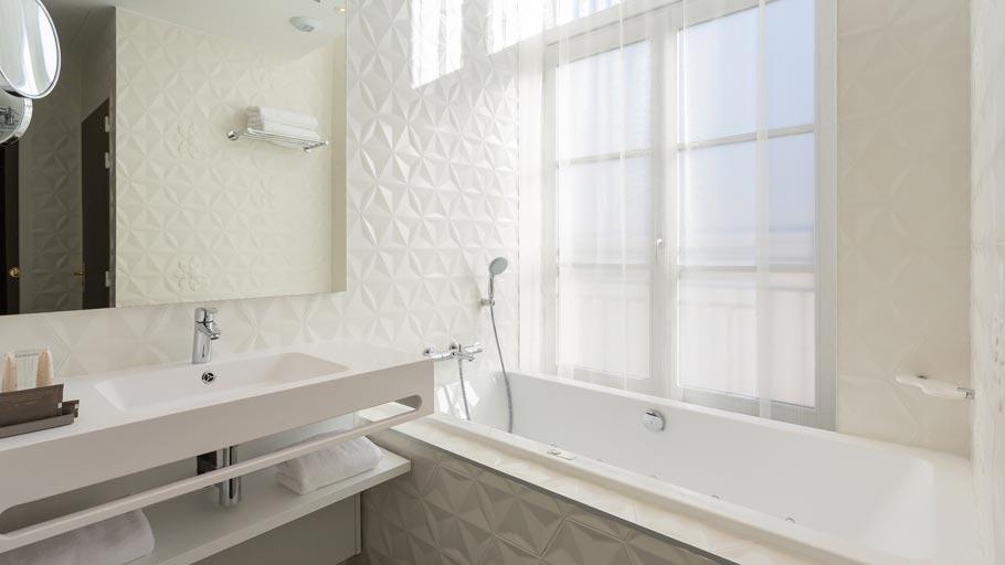 Porcelanosa-Projects-Hotel-Empreinte-bathrooms-wall-tiles-03